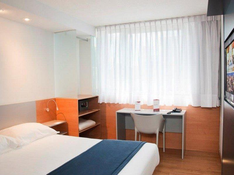 Hotel em Montevidéu - Orpheu Express